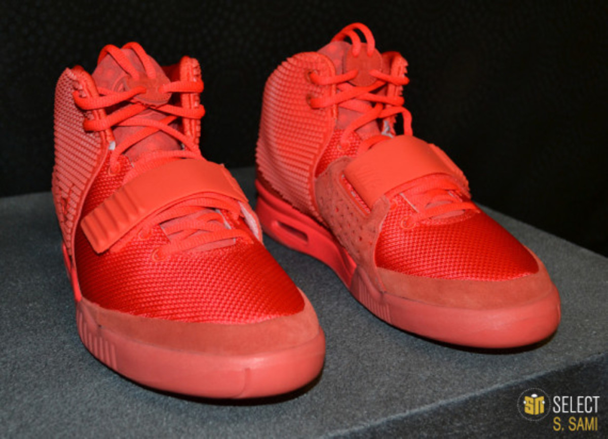free shipping 33470 c3d66 nike red october yeezy 2