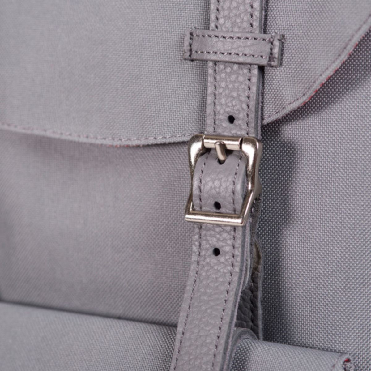 herschel-supply-co-holiday-2013-leather-details-collection-10