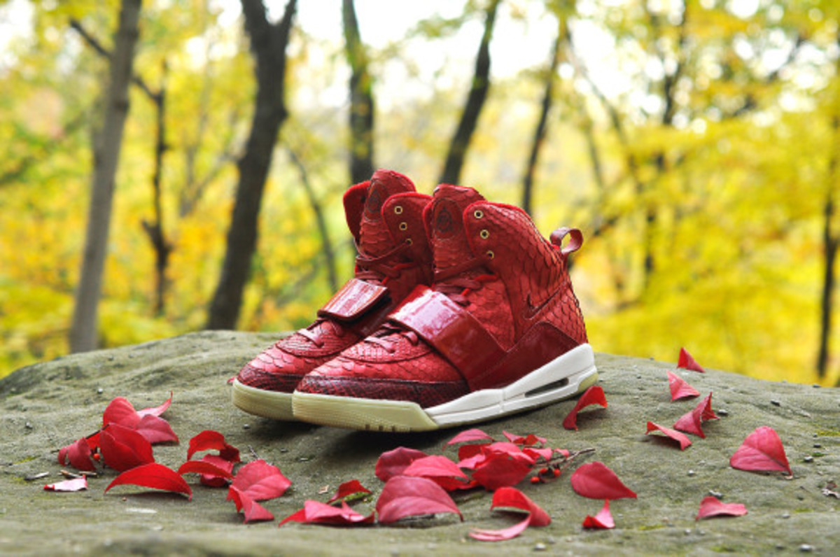 red-october-nike-air-yeezy-1-customs-by-jb-customs-09