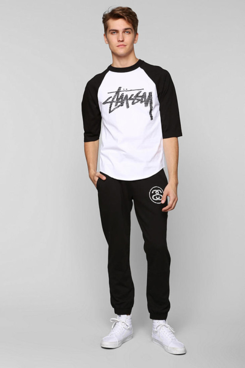 stussy-croc-raglan-tshirt-urban-outfitters-exclusive-04