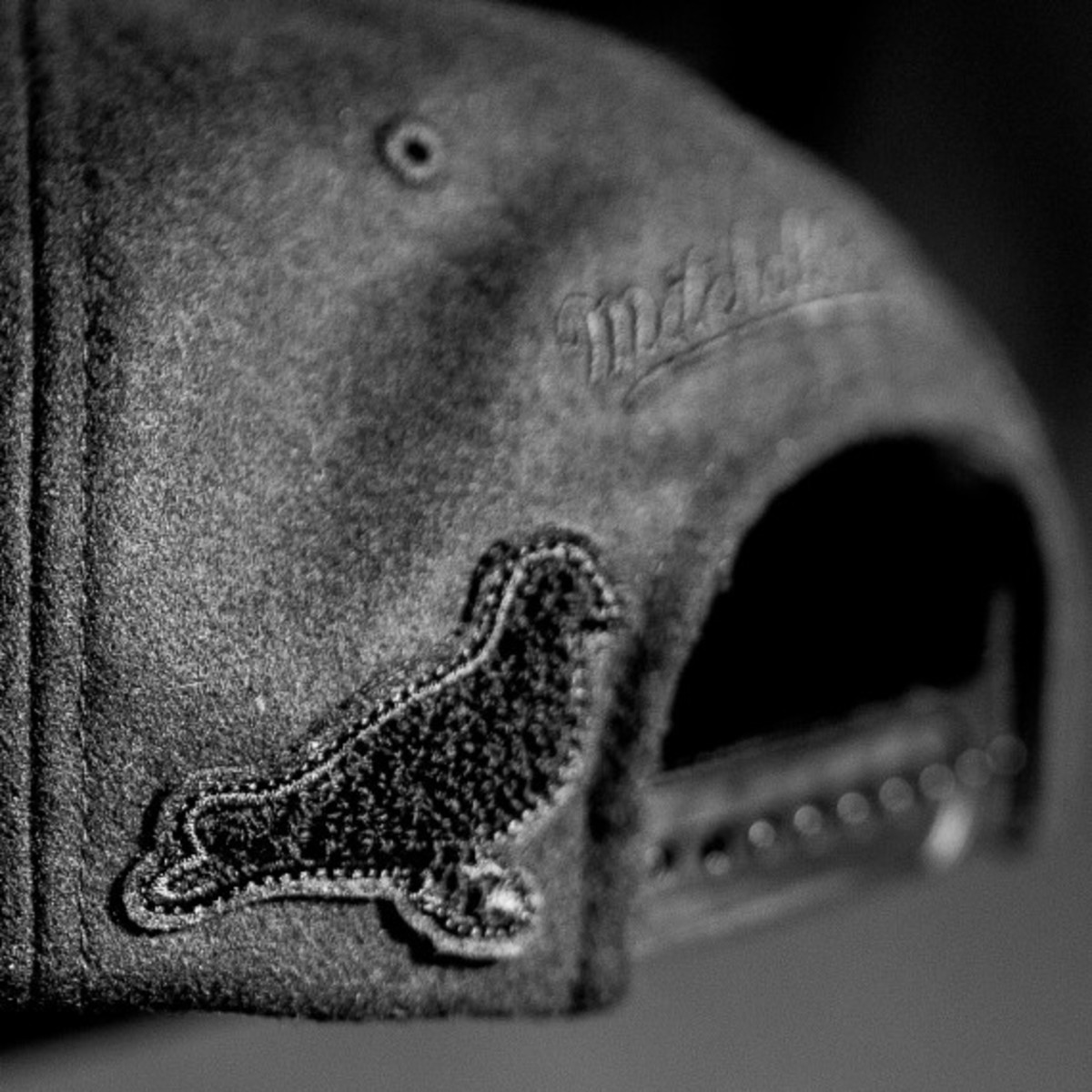 staple-x-huf-x-black-scale-x-10-deep-mitchell-ness-snapback-cap-06