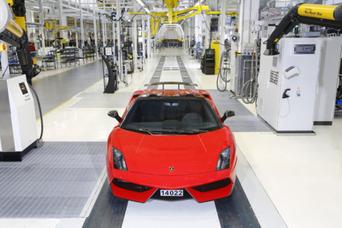 lamborghini-production-ends-03