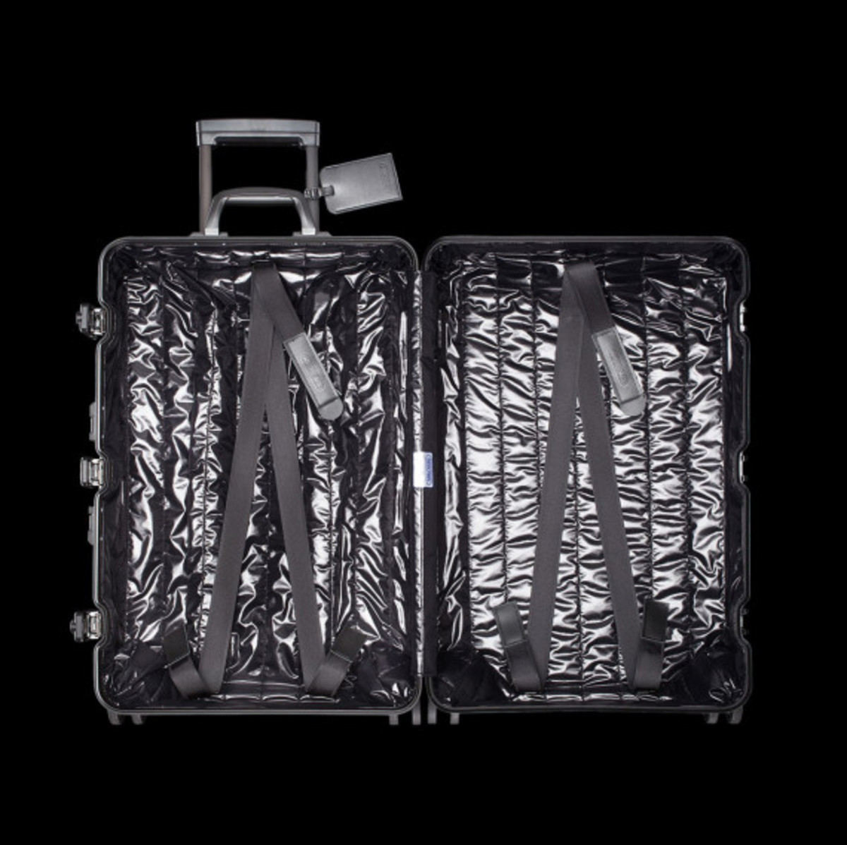 rimowa-and-moncler-luggage-collection-10
