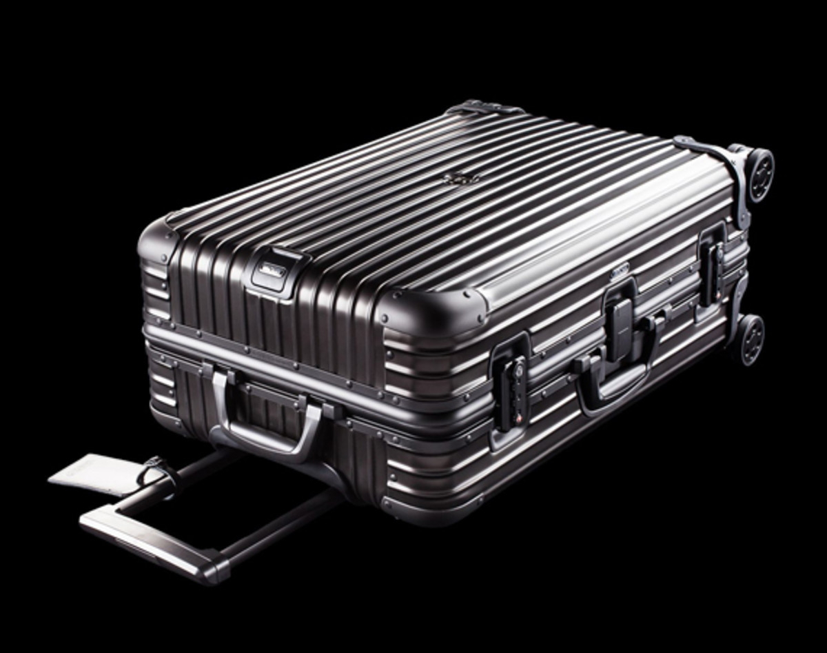 rimowa-and-moncler-luggage-collection-01
