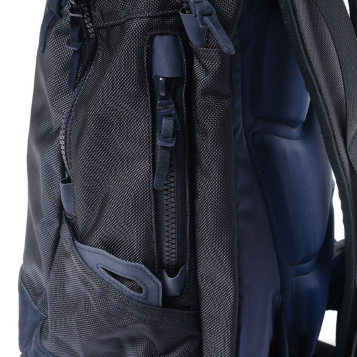 visvim-ballistic-20l-backpack-navy-11
