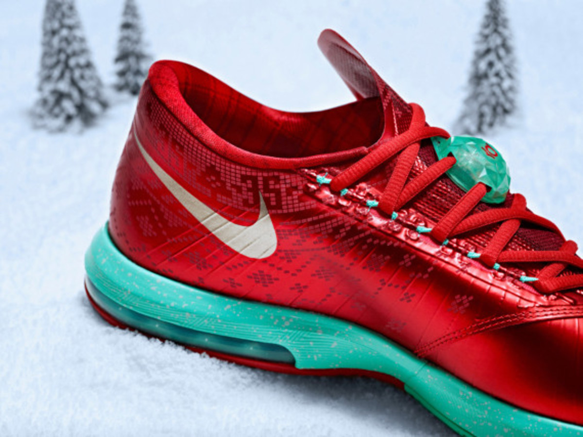 nike-kd-6-christmas-officially-unveiled-03
