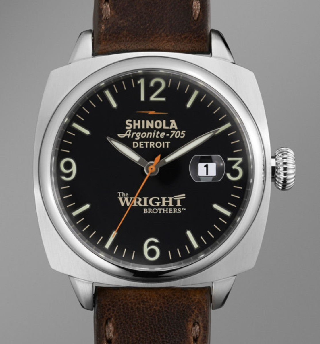 wright-brothers-shinola-great-american-series-limited-edition-watch-and-bicycle-03