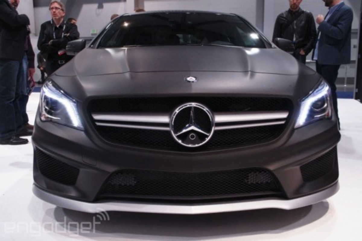 mercedes-benz-cla-45-amg-with-qnx-infotainment-system-03