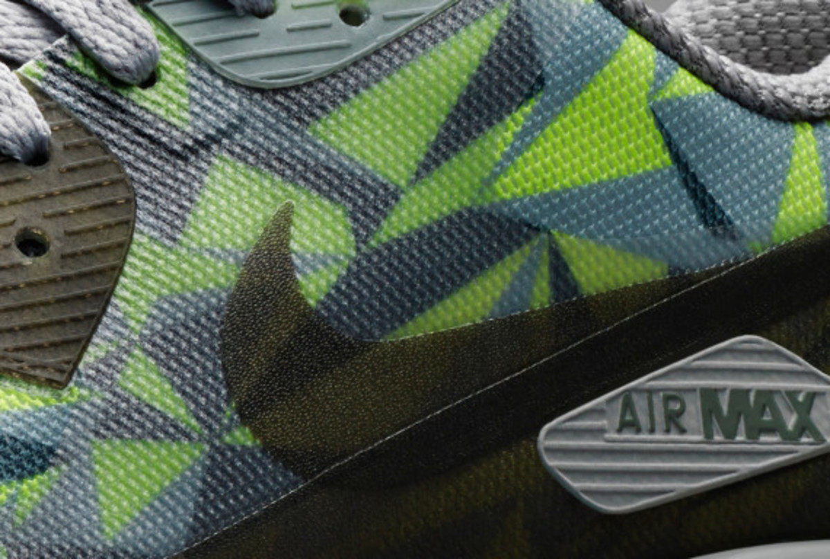 nike-air-max-90-ice-officially-unveiled-07