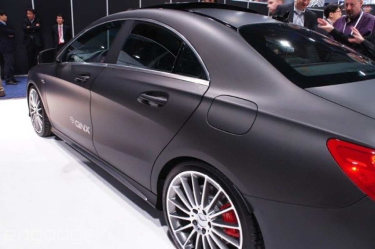 mercedes-benz-cla-45-amg-with-qnx-infotainment-system-05