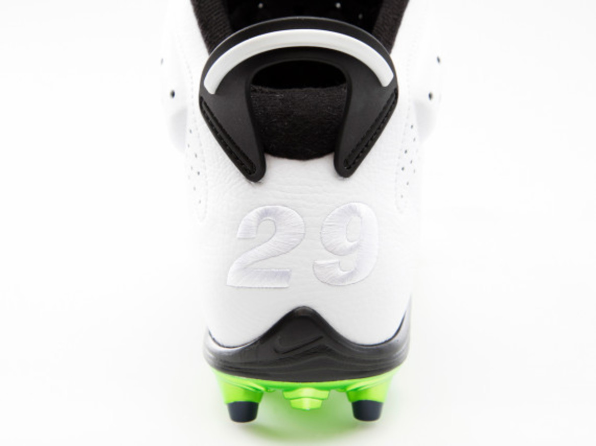 air-jordan-6-cleats-for-michael-crabtree-and-earl-thomas-05