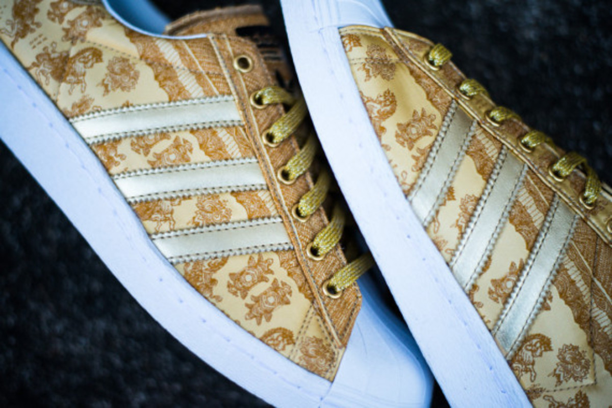 adidas-originals-superstar-80s-year-of-the-horse-09