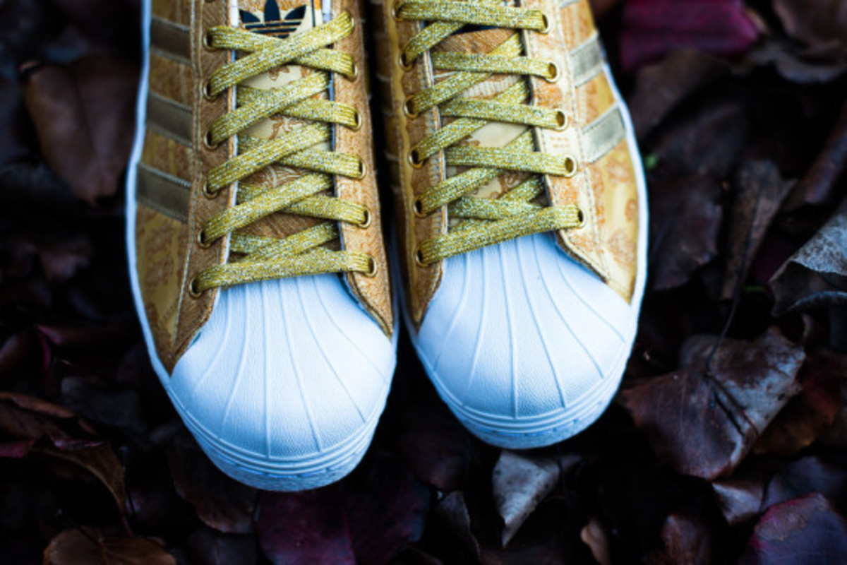 adidas-originals-superstar-80s-year-of-the-horse-08