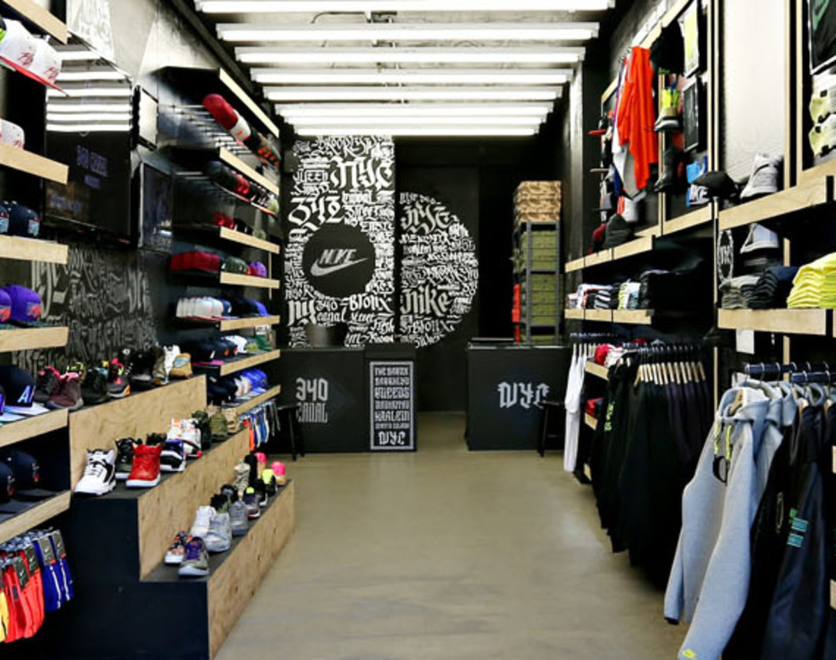 aerosyn-lex-for-nike-340-canal-street-pop-up-shop-closing-exhibition-03