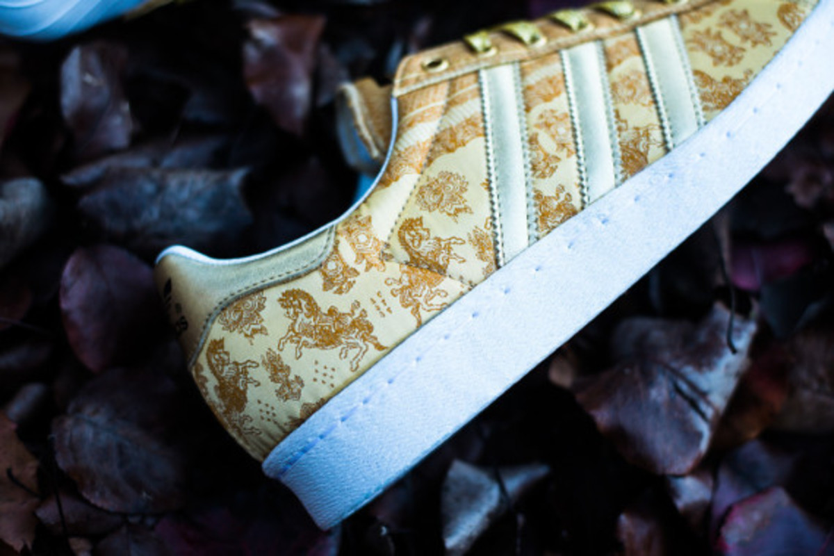 adidas-originals-superstar-80s-year-of-the-horse-04