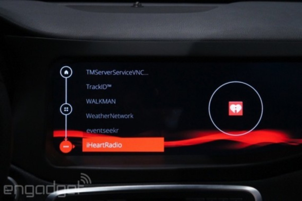 mercedes-benz-cla-45-amg-with-qnx-infotainment-system-13