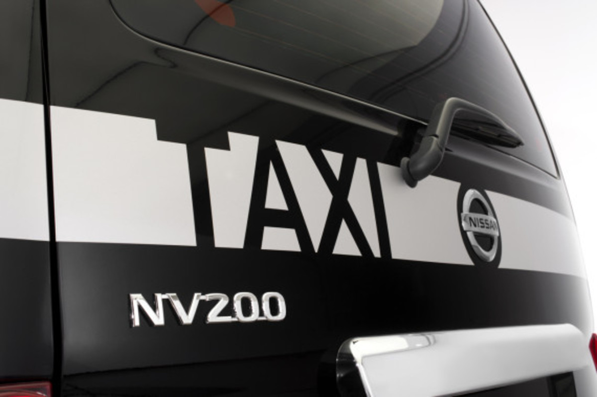 nissan-nv200-new-london-taxi-06