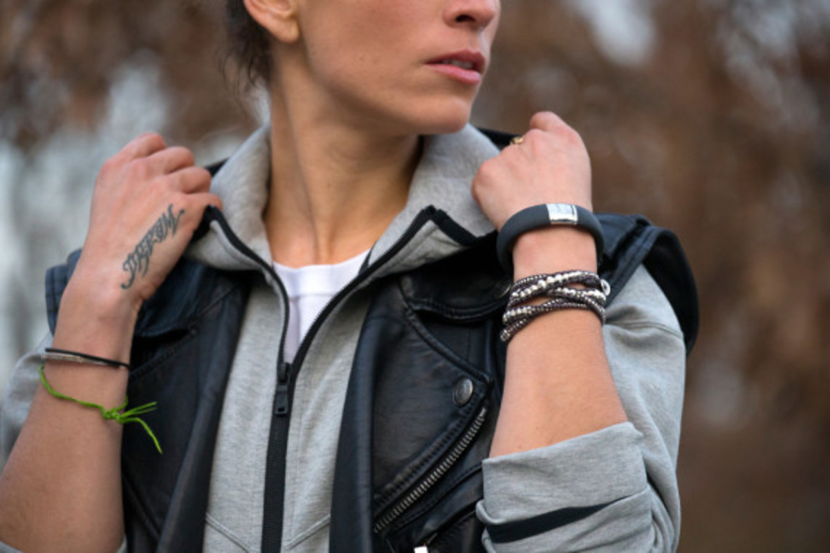 nike-fuelband-se-silver-05