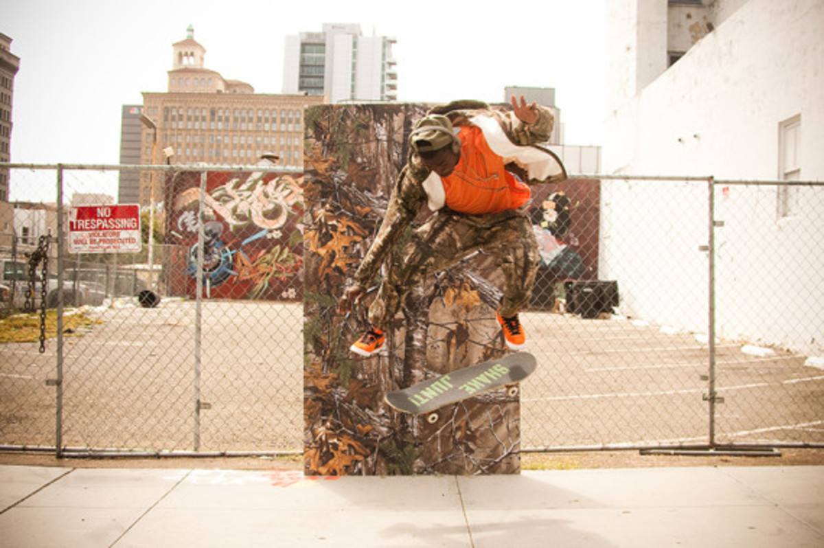 skullcandy-x-realtree-xtra-camouflage-headphones-earphones-collection-theotis-beasley-12