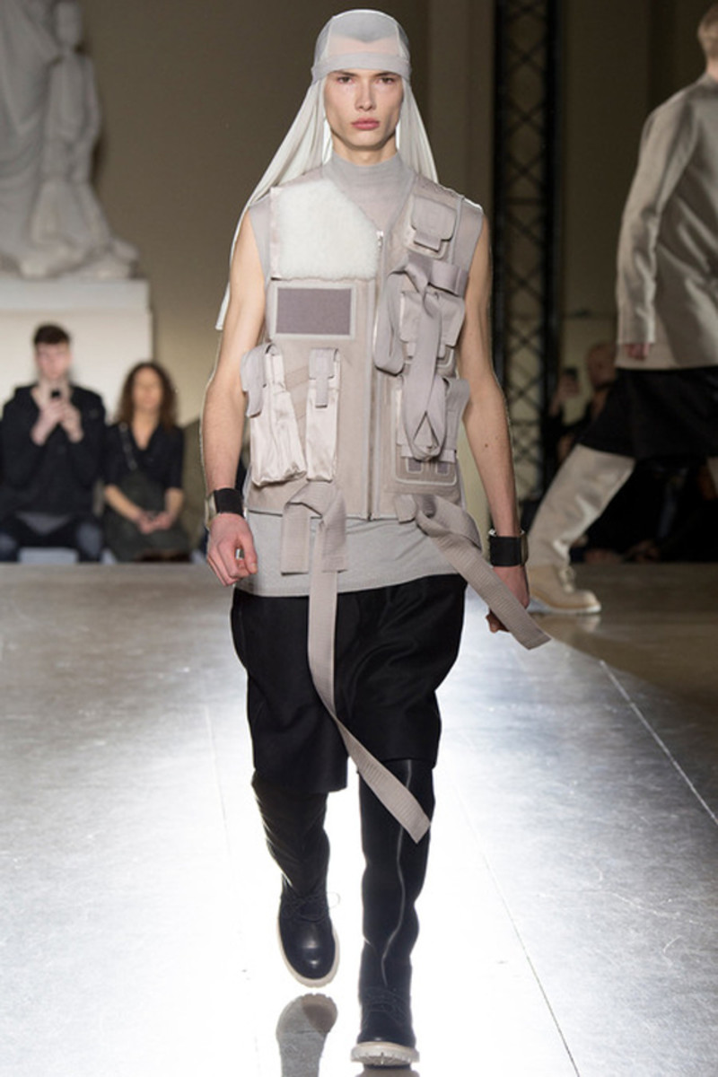 rick-owens-fall-winter-2014-menswear-collection-19