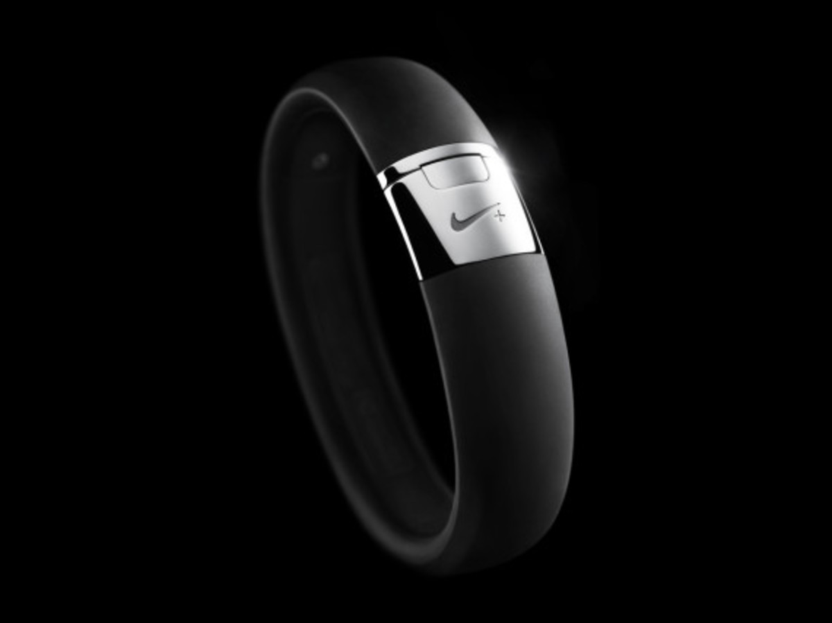 nike-fuelband-se-silver-09
