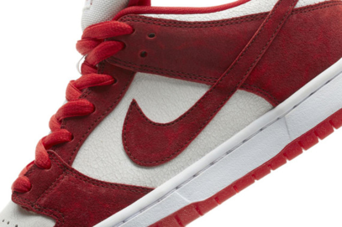 nike-sb-dunk-low-pro-valentines-day-03