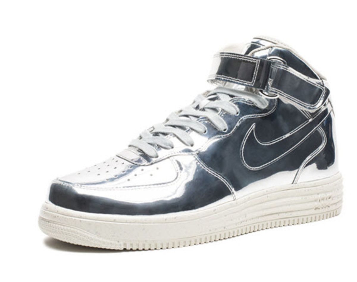 buy popular 83104 c3cc6 As seen in our preview, we first spotted on the new Nike Lunar Force 1 High  SP