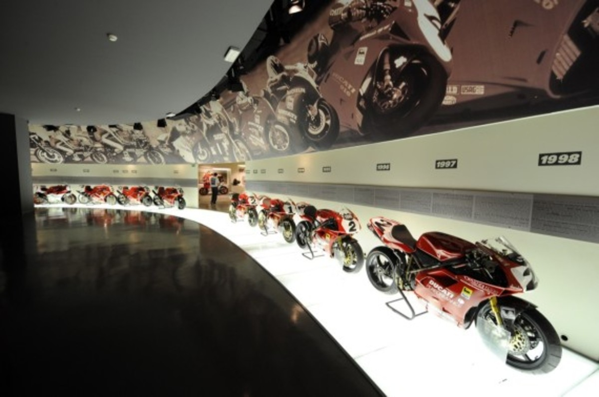 tour-the-ducati-museum-with-google-maps-04