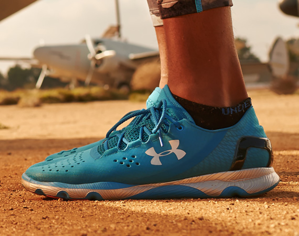 Under Armour SpeedForm Apollo - Running Sneaker Inspired by Apparel Design - 0