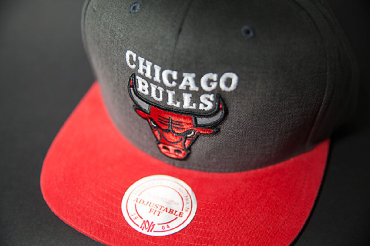 mitchell-and-ness-chicago-bulls-snapback-iconic-collection-04