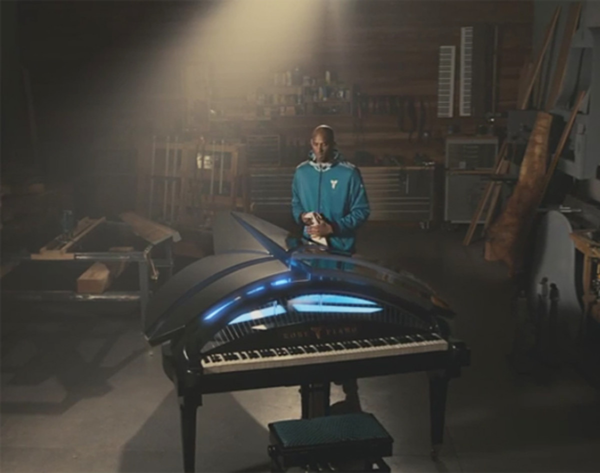 foot-locker-kobe-piano-video