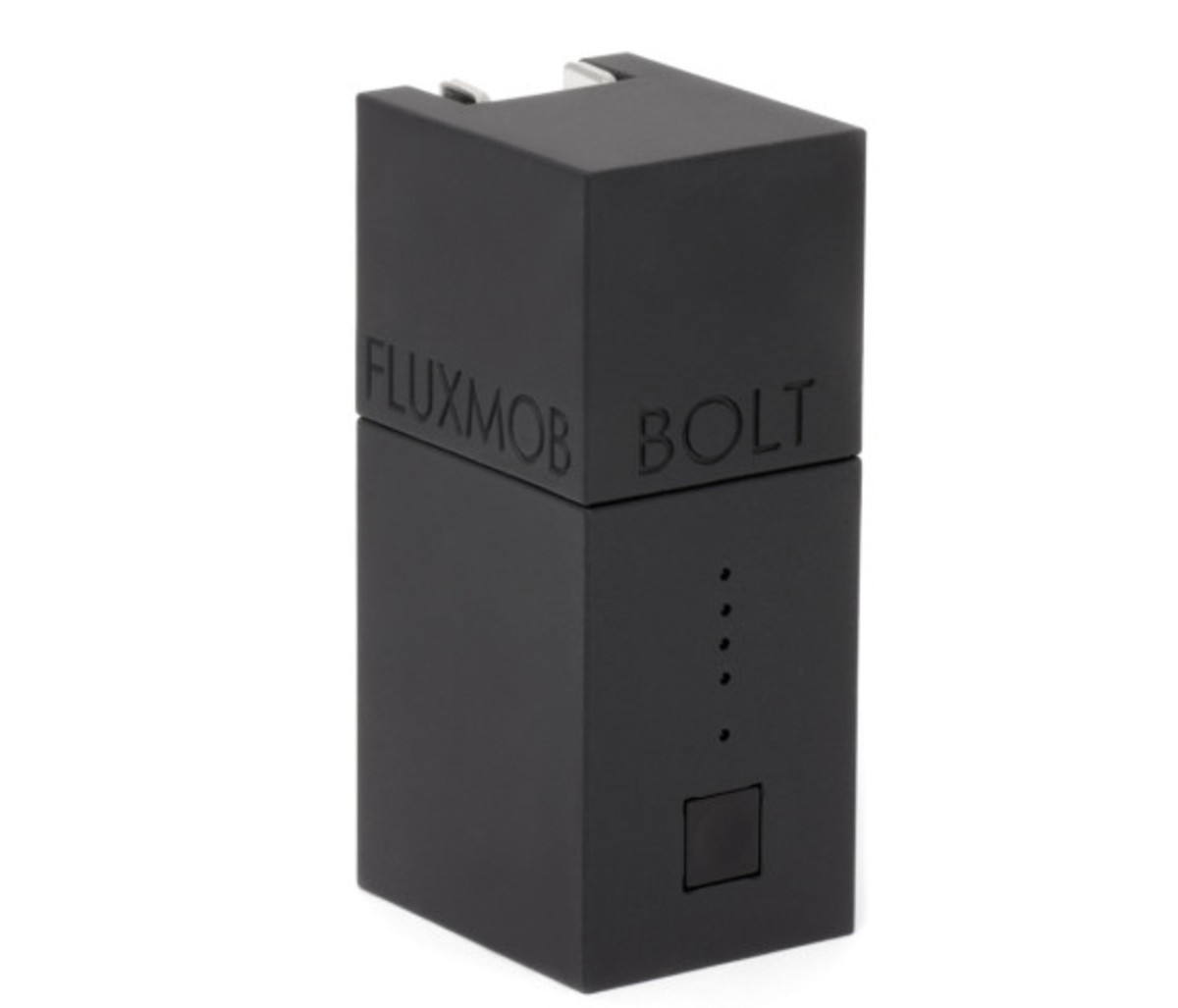 bolt-usb-battery-pack-with-built-in-wall-charger-07