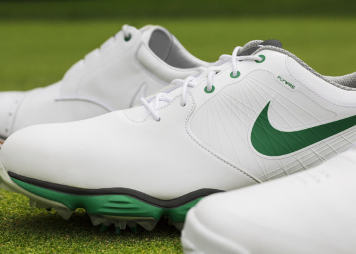 Nike TW  14 Limited Edition - Tiger Woods Signature Golf Shoes ... 90b0bf99b