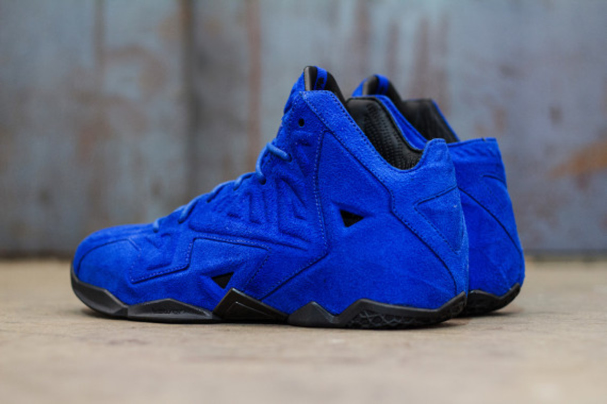 nike-lebron-11-ext-blue-suede-available-now-08