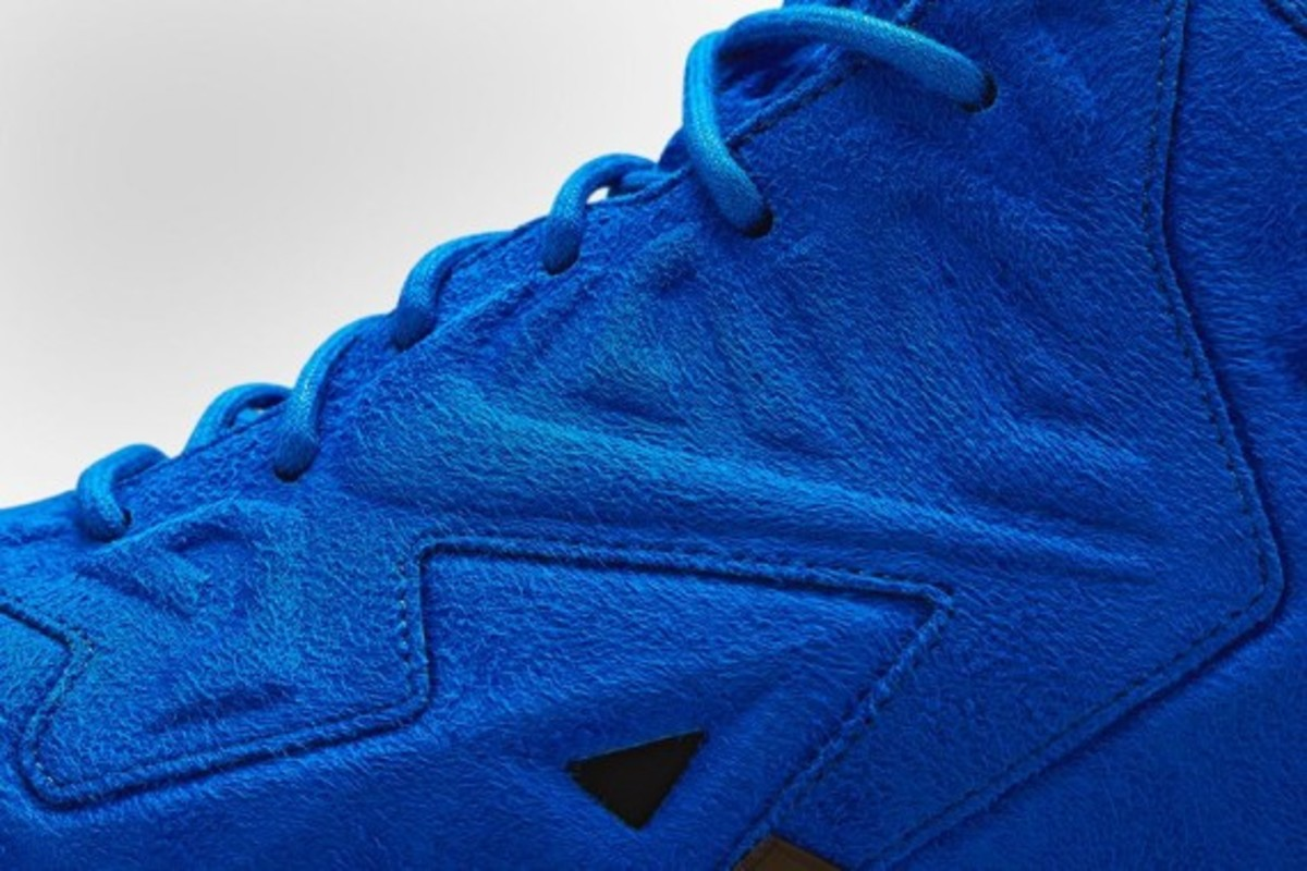 nike-lebron-11-ext-blue-suede-release-info-05