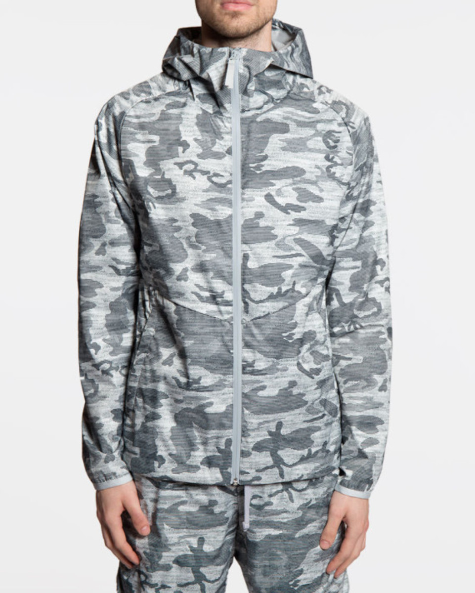 reigning-champ-camo-hooded-jacket-02