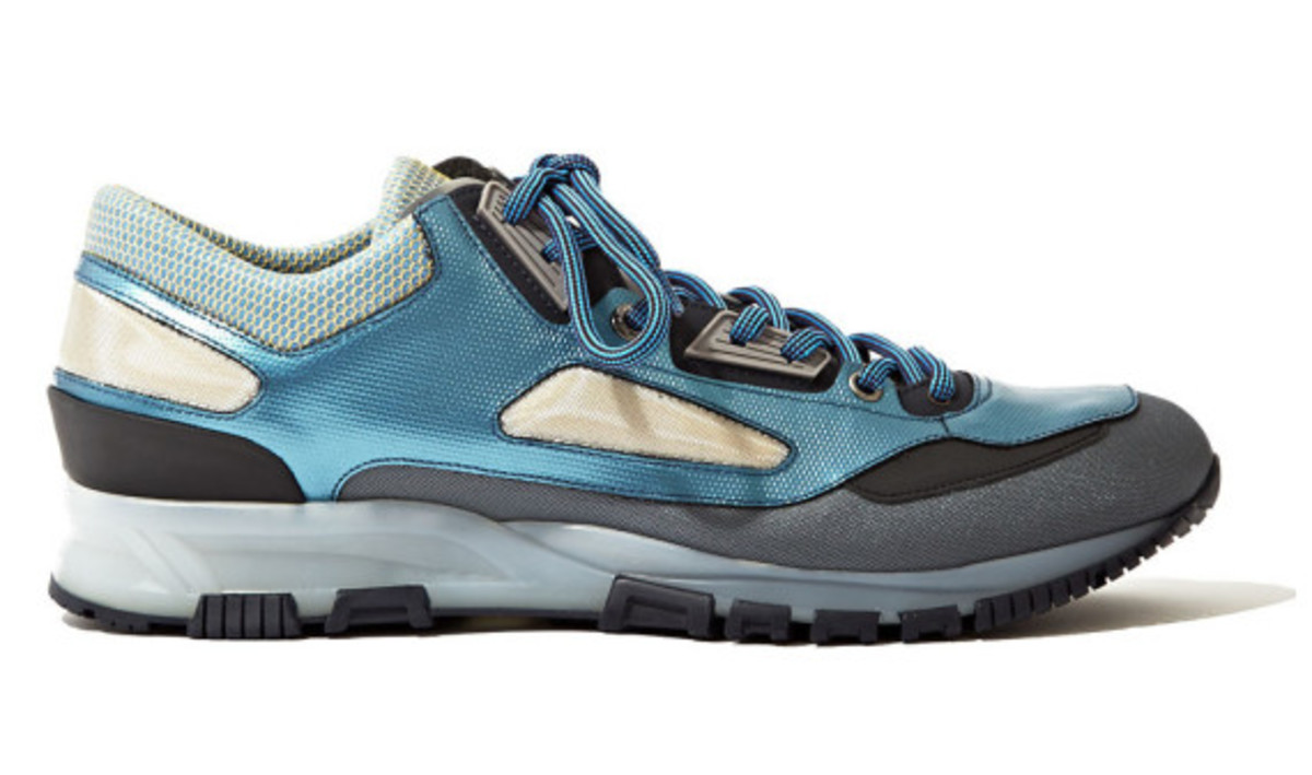 lanvin-technical-mesh-running-sneaker-metallic-peacock-blue-02