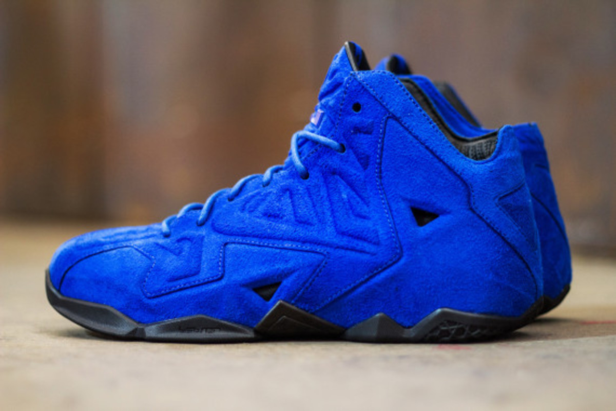 nike-lebron-11-ext-blue-suede-available-now-02