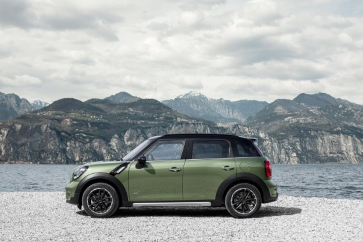 2015-mini-countryman-03