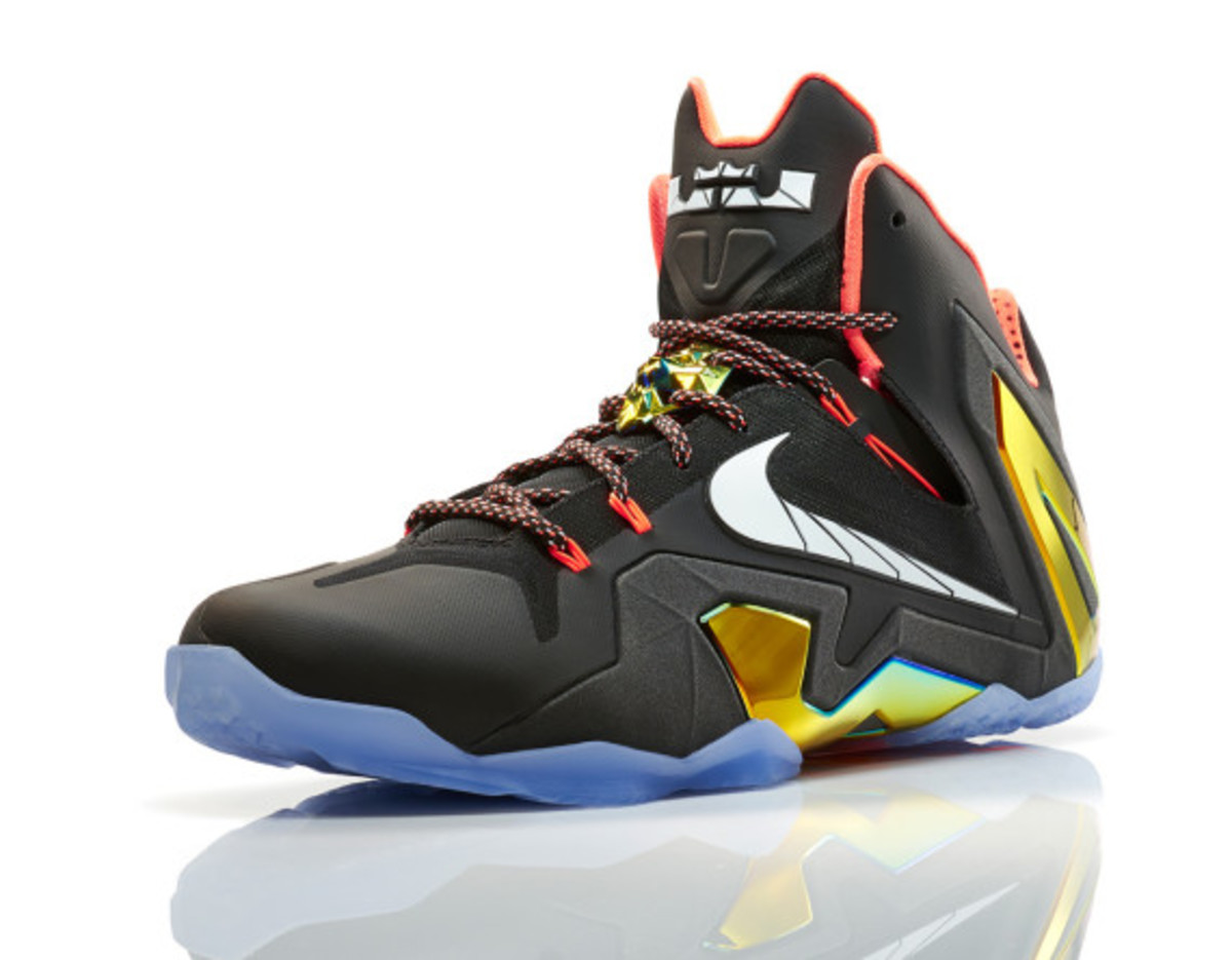 nike-lebron-11-elite-gold-00