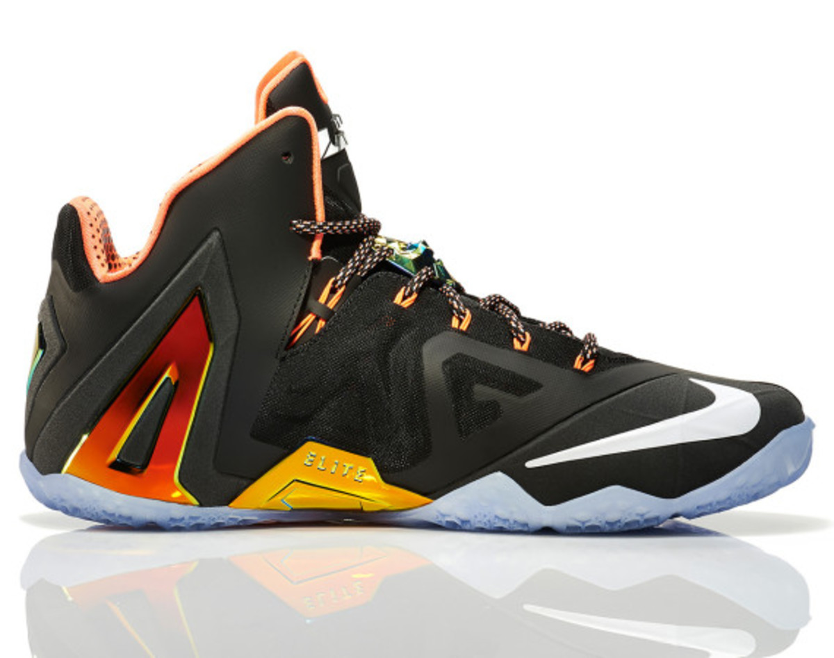 nike-lebron-11-elite-gold-08
