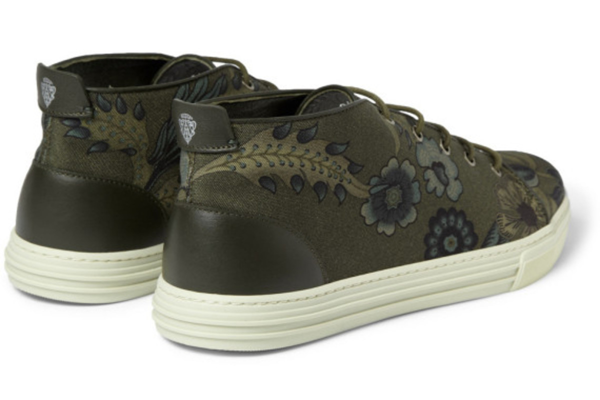 gucci-flower-print-canvas-sneakers-06