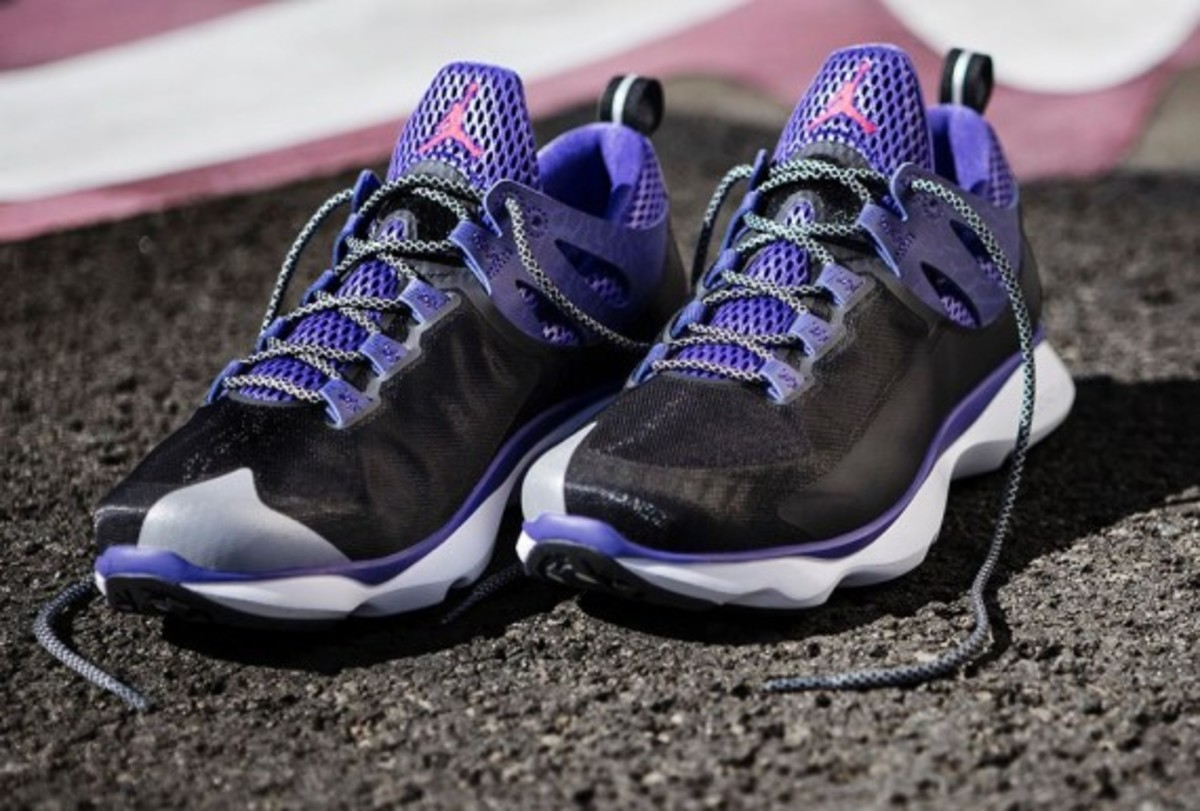 jordan-flight-runner-black-infrared-23-dark-concord-06