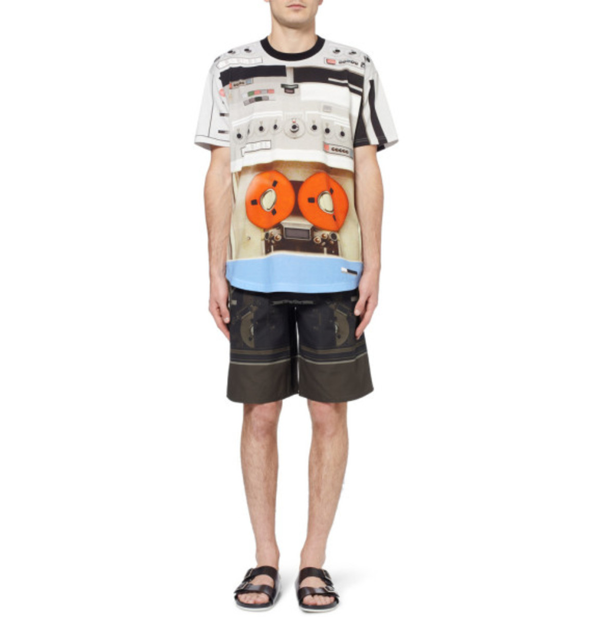 givenchy-tape-deck-print-t-shirt-07