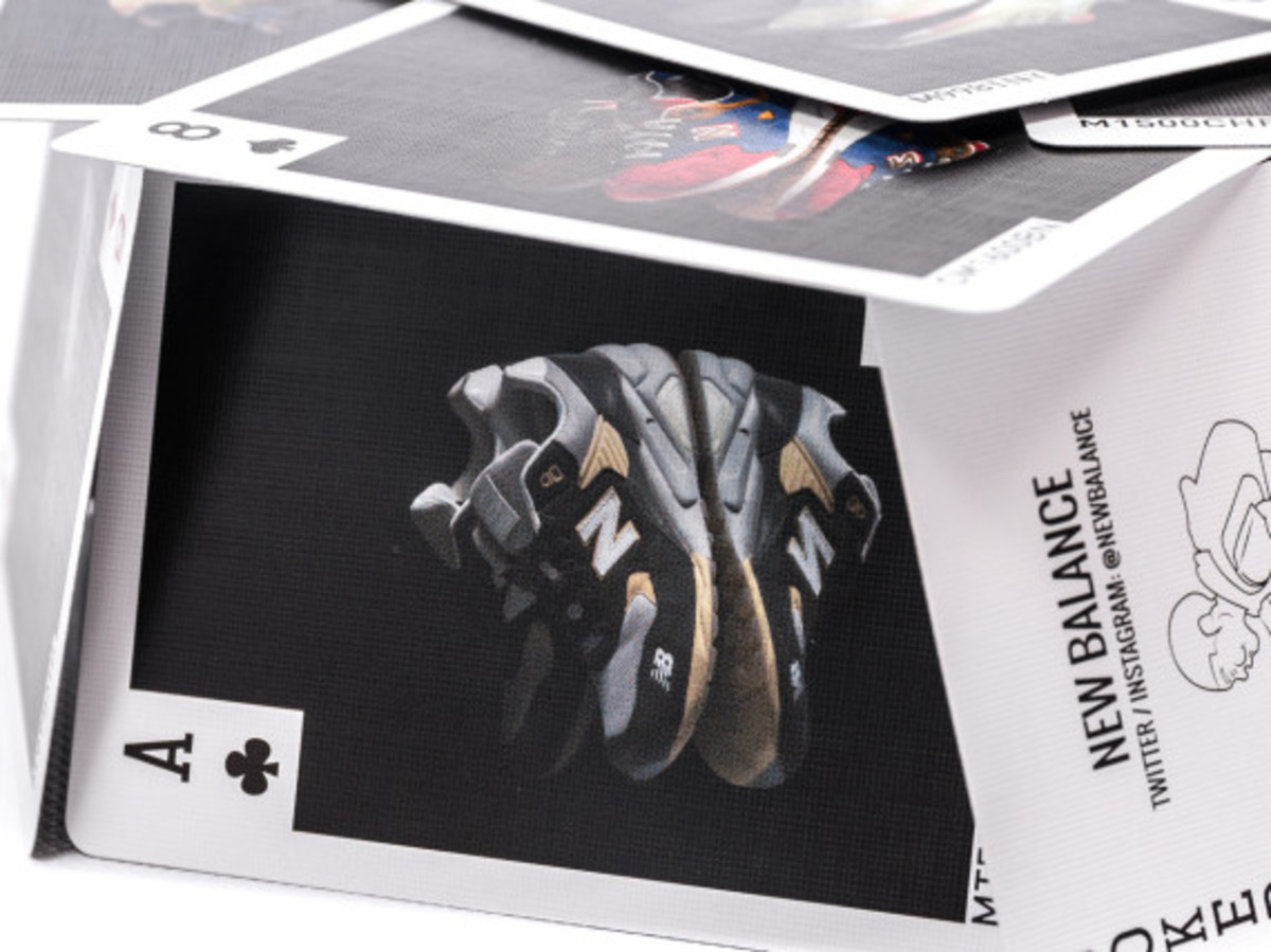 distinct-life-new-balance-bicycle-playing-cards-03
