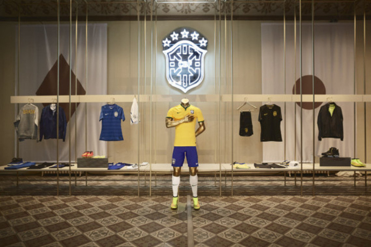 nike-showcases-2014-football-innovations-04