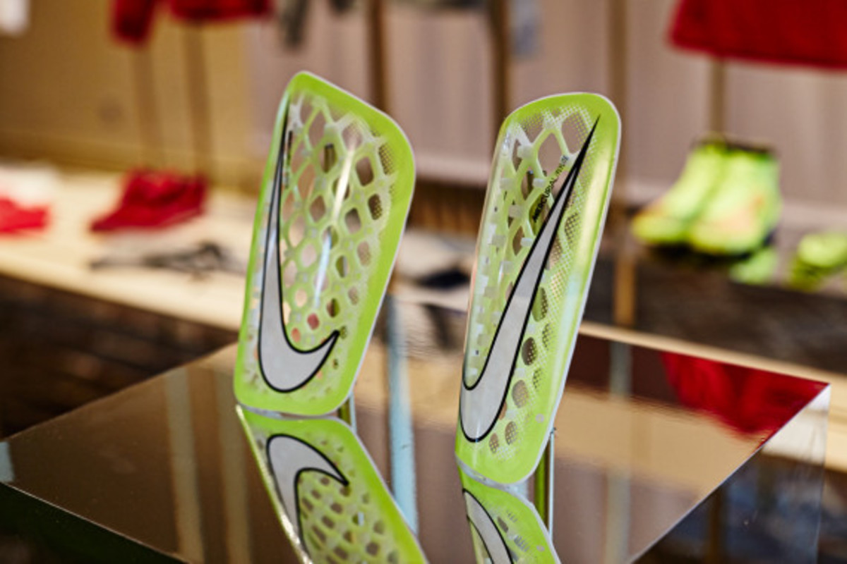 nike-showcases-2014-football-innovations-09
