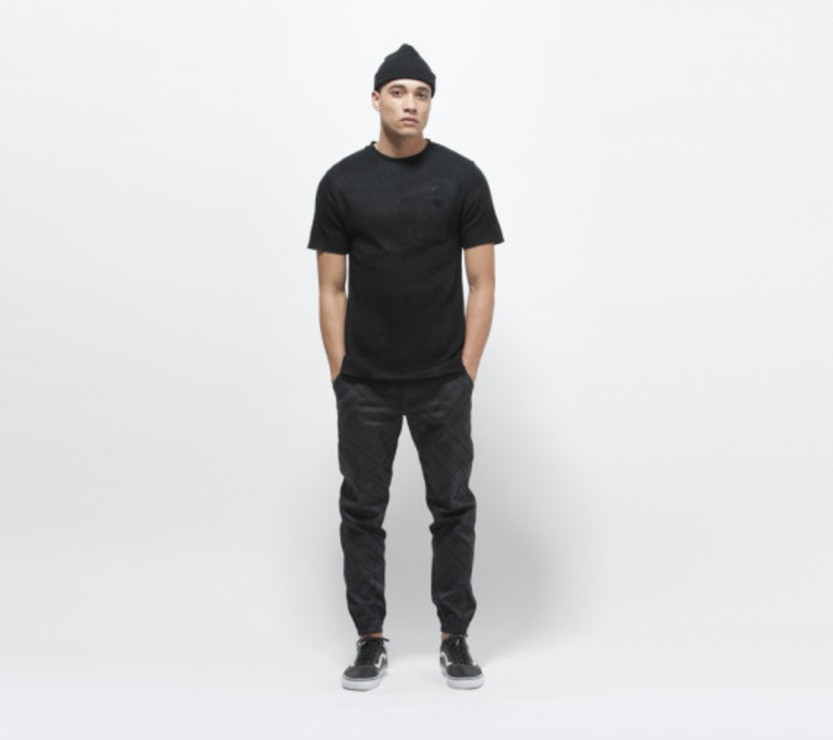 publish-brand-novelty-jogger-collection-03