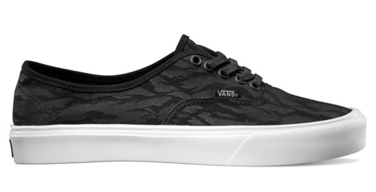 vans-lxvi-classic-lites-collection-12
