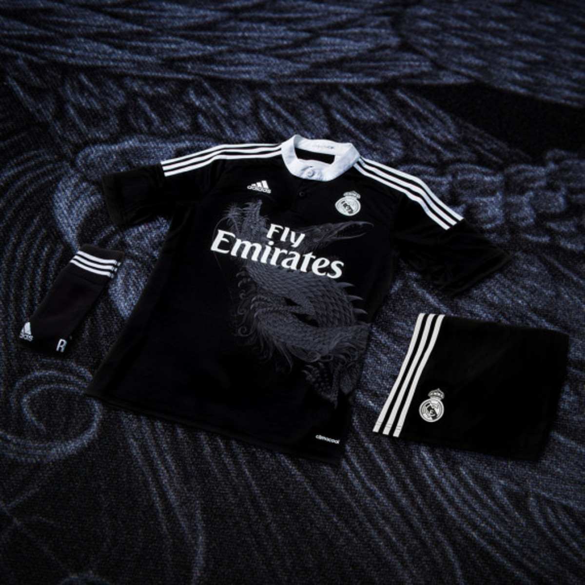 adidas-yamamoto-designed-real-madrid-third-kit-adizero-f50-cleat-06